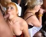 imagen mujeres de segunda mano