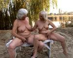 imagen abuelas lesbianas de excursion dominguera