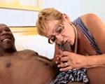 imagen con la abuela si disfruta