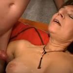 señora seduce al tecnico de la television