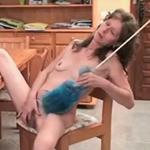 imagen amas de casa hacen una pausa para masturbarse