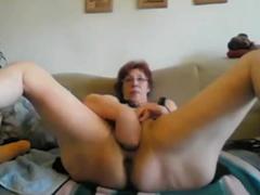 anciana se hace un fisting por webcam