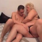 imagen Abuela y nieto masturbándose mutuamente