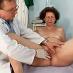 imagen Abuela acude por primera vez al ginecólogo