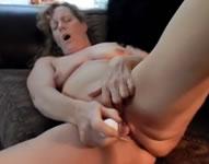 Una abuela al borde del orgasmo