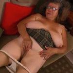 imagen Abuela se masturba para quitarse el disgusto