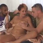 imagen Trío de sexo con la vecina de al lado