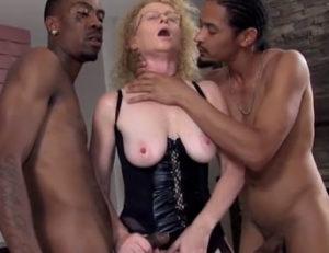 Trio con negros que acaba en creampie