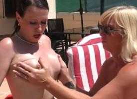 Verano xxx con dos vecinas lesbianas