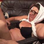 imagen Sexo salvaje con una anciana impedida
