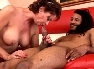 Choni tetona y su amante negro con rastas