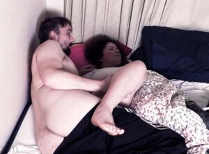 Follándose a su mujer con narcolepsia