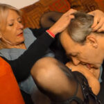 imagen Tratando a su mujer como a una zorra caliente