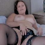 imagen Cuarentona haciendo su striptease más sexy