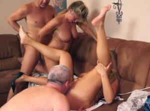 Orgia de cincuentonas con sus maridos